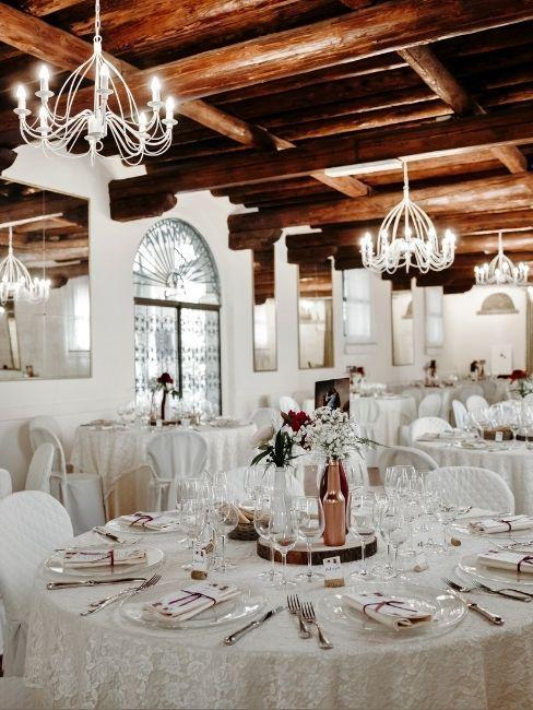 décoration de table de mariage blanche