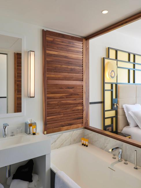 salle de bain dans hotel