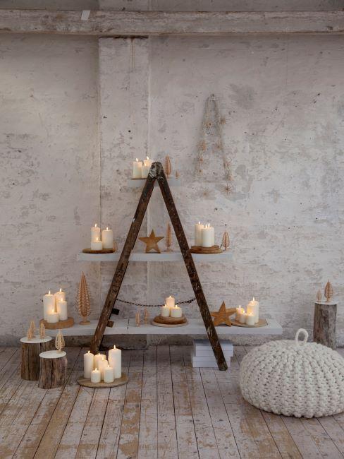 sapin de noel original, sapin fait des bougies, pouf tricoté