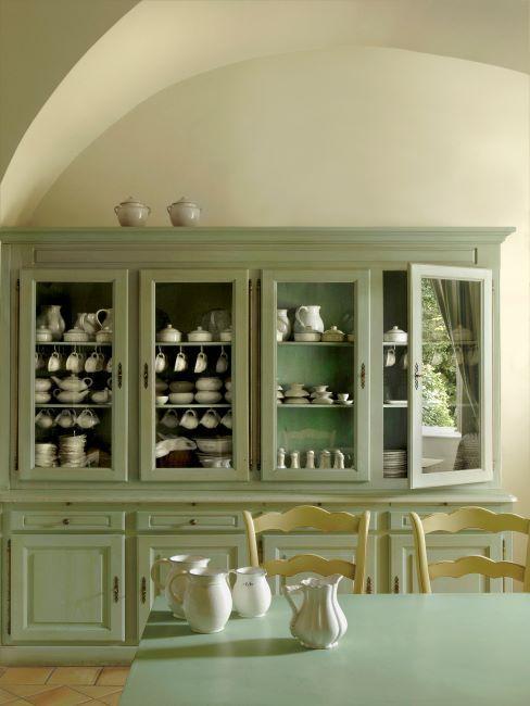 Vitrine de cuisine vert olive