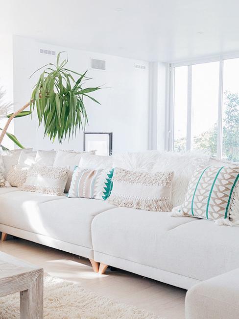 Grand canapé familial blanc de babychoufamily