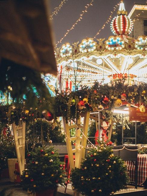 carrousel eclaire et illumine pour Noel