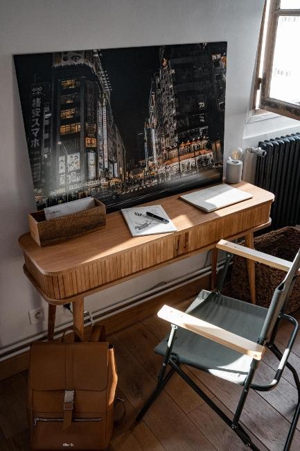 Bureau en bois avec photo japon