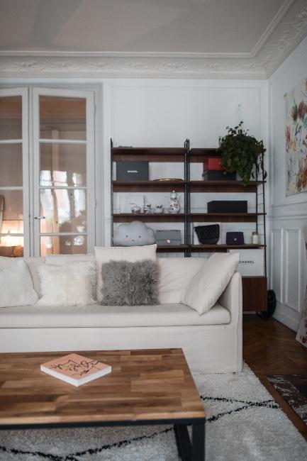 canapé blanc dans appartement trendy de Dressingleeloo