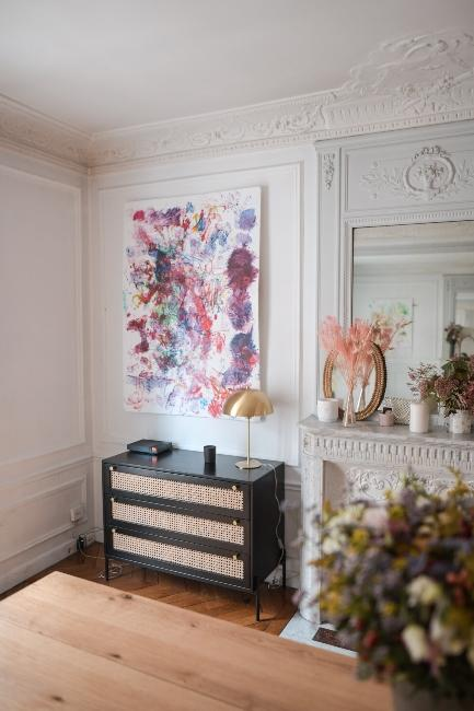 commode en cannage viennois dans appartement trendy de Dressingleeloo
