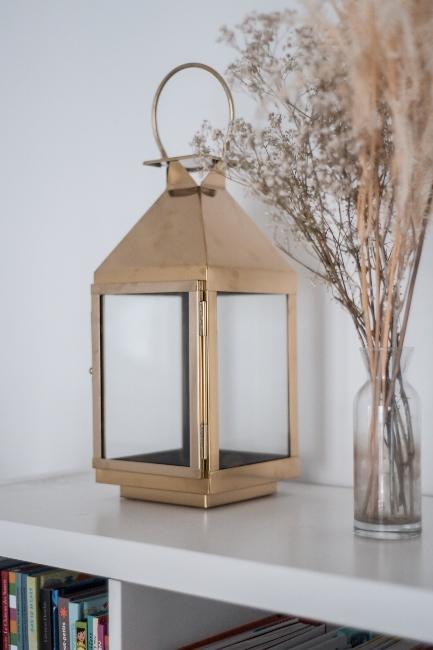 lanterne dorée dans appartement trendy de Dressingleeloo