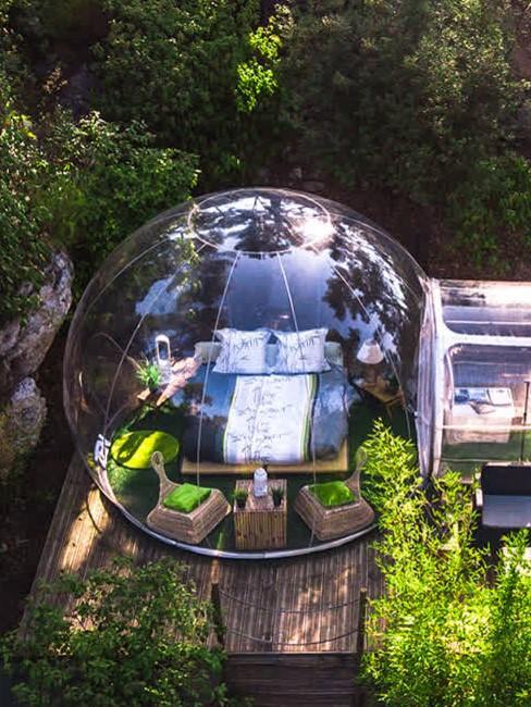 dormir dans une bulle transparente
