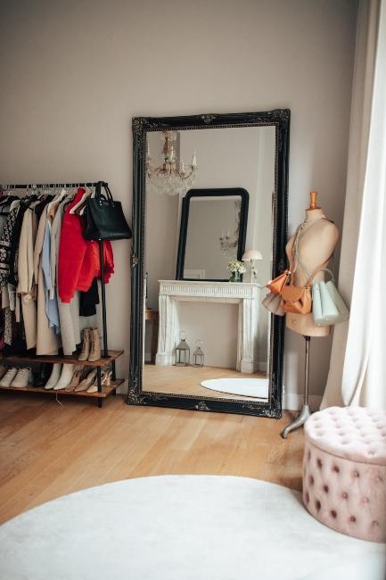 Dressing avec miroir baroque dans le bureau de Milkywaysblueyes