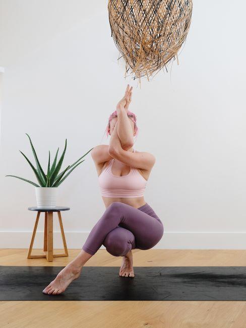 yoga, flexibilité, femme, plante aloé,