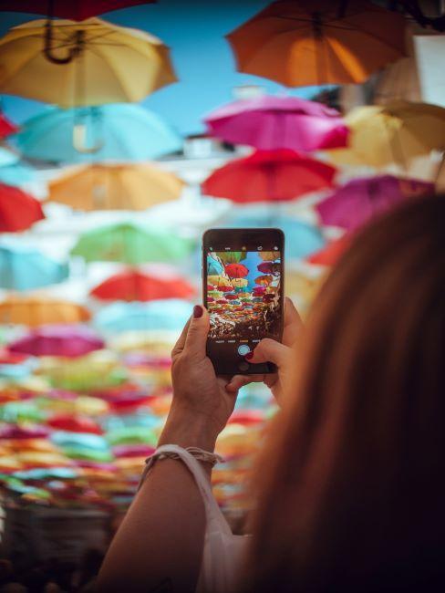 Paris instagrammable, voyages, selfie, déco parapluies
