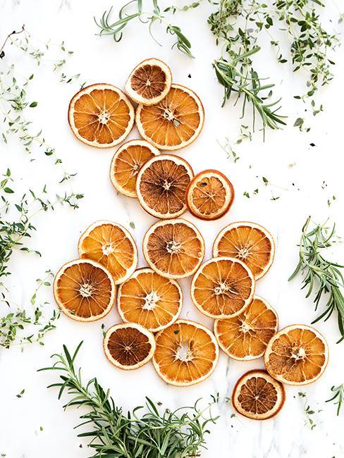 décoration de Noël durable avec oranges séchées