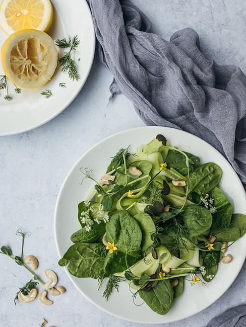Salade de feuilles d'épinard
