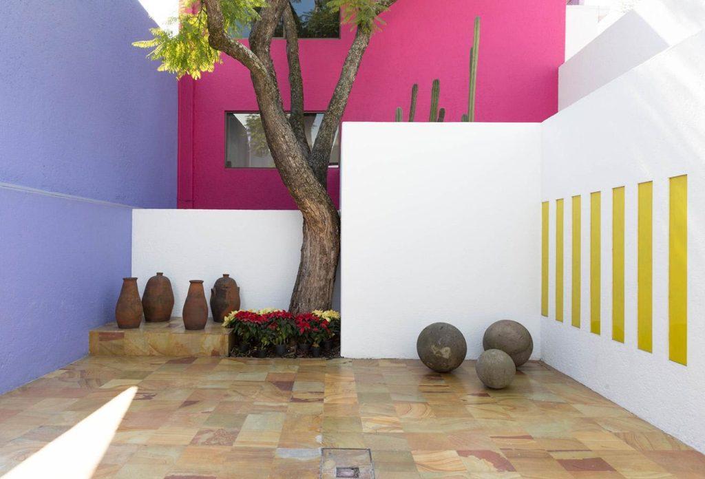 Mur coloré extérieur