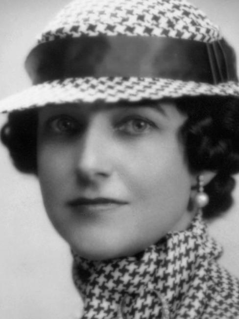 Dorothy Draper Portrait