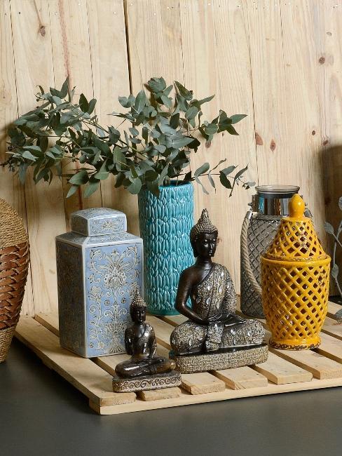 Divers vases et cache-pot style zen et boho sur palette