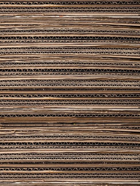 plusieurs couche de carton, matériau résistant