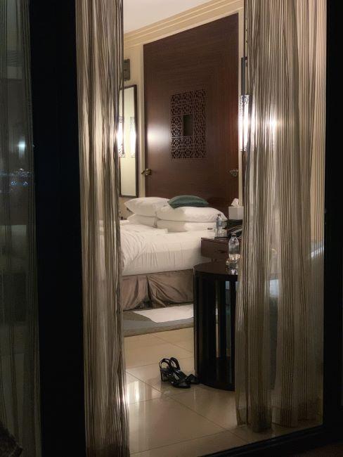 Chambre à coucher glamour, tons foncés