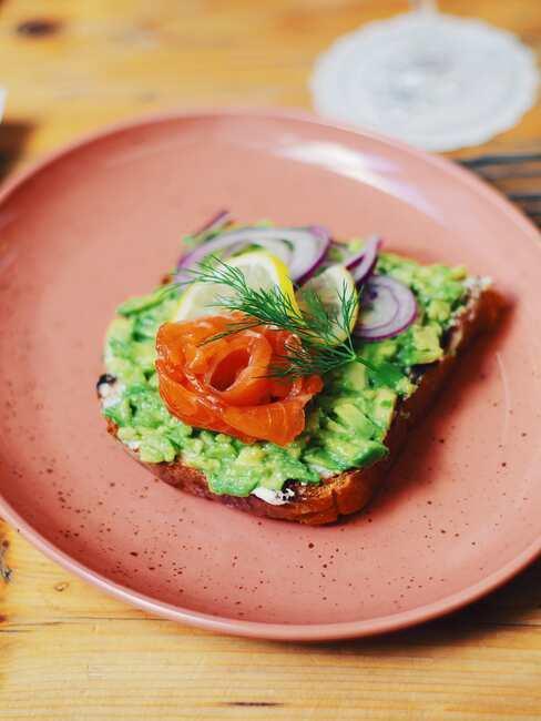 Avocad toast avec saumon