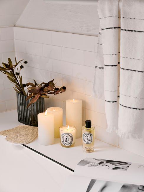 salle de bains, bougies de salle de bains, parfum salle de bains, serviette salle de bains