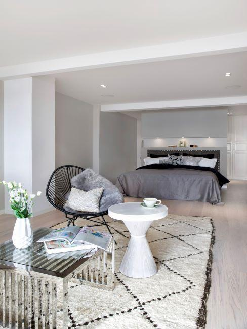 tapis blanc, tapis Jane, tapis moelleux de chambre, chaise