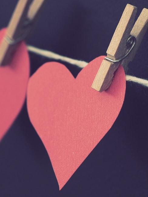 Guirlande cœurs rouges sur ficelle