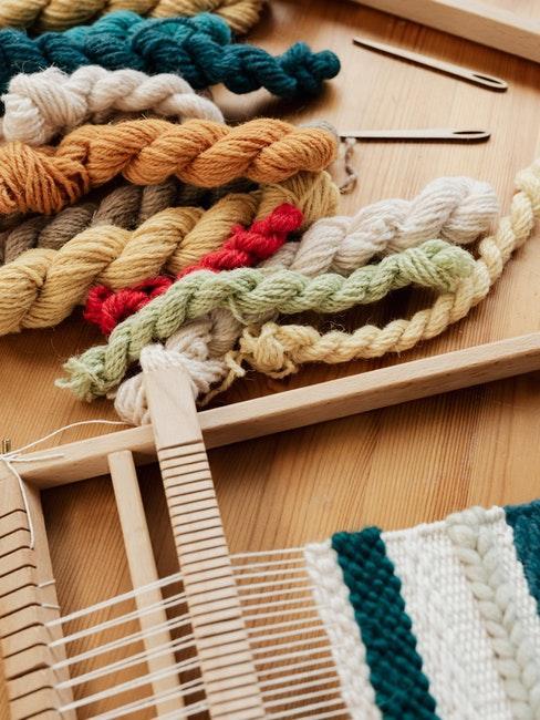 Ficelles de coutures de différentes couleurs