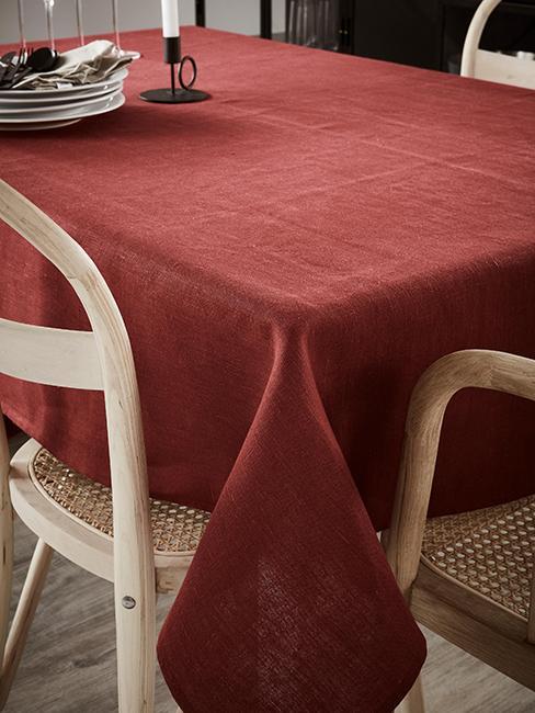 Nappe rouge pour table de salle à manger