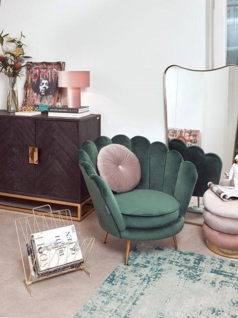 fauteuil en velours vert, more is more, maximalisme