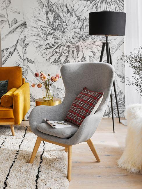 papier peint floral noir et blanc, fauteuil scandinave