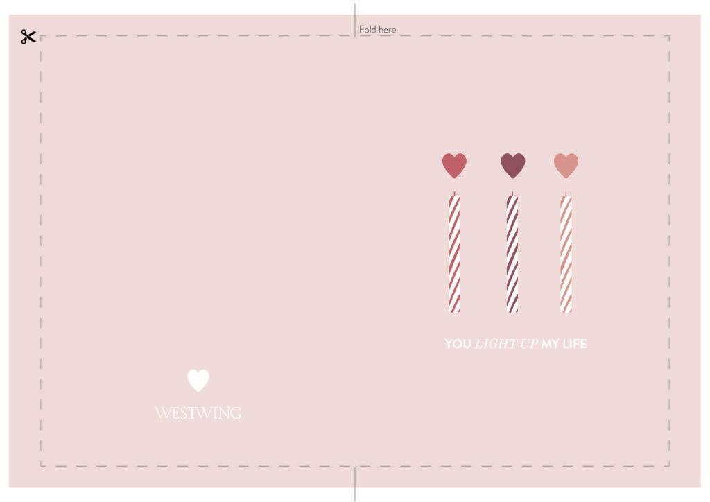 Carte rose avec bougies et coeurs