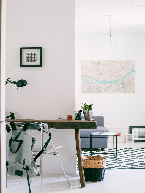 minimaliste, table en bois brut