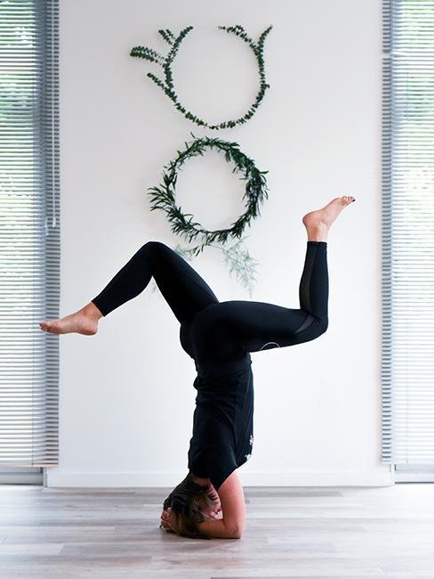pose de yoga femme