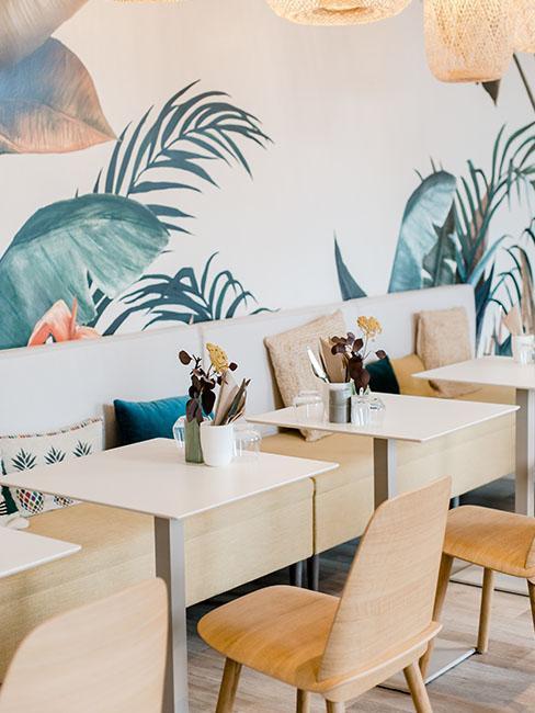 salle de restauration papier peint tropical