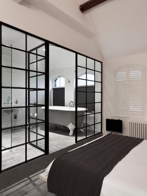 séparation chambre à coucher salle de bains avec fenêtre atelier industrielle