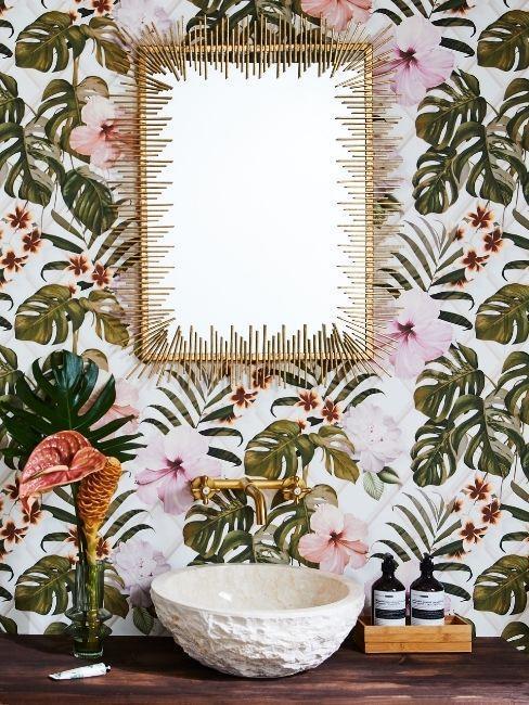 papier peint chargé, tapisserie fleurie, déco murale style victorien