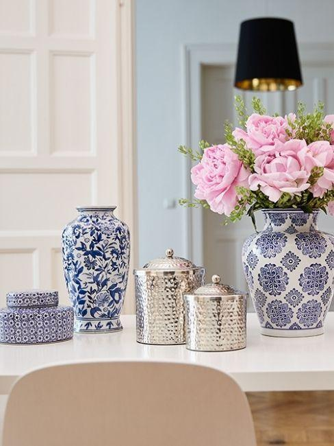 vases bleus style victorien