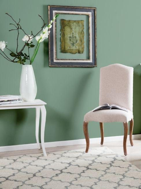 meuble salon, console et chaise de style victorien, mur vert