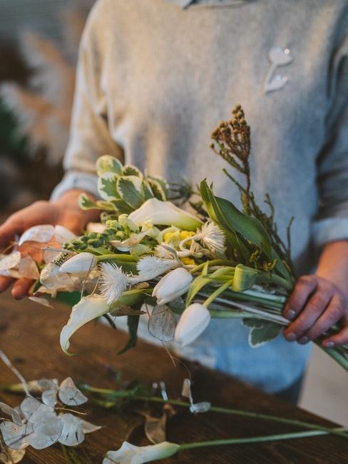 Couronne de fleurs de printemps