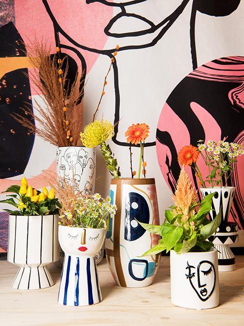 petits vases avec motif viasge