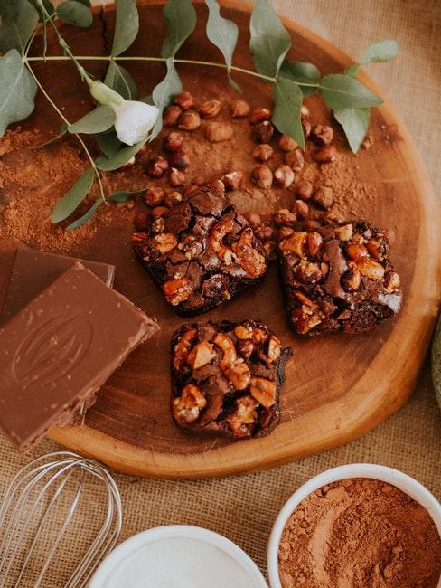 chocolat au lait fait maison avec noisettes