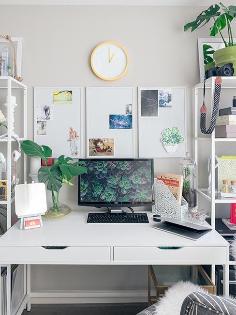 bureau avec orginateur