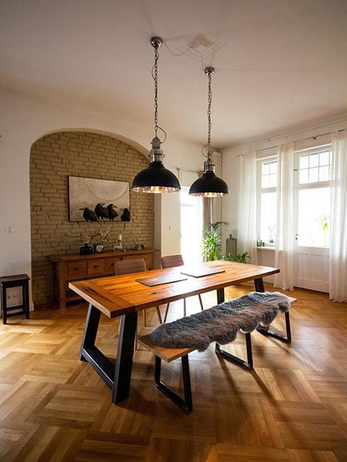 salle à manger, table bois et banc