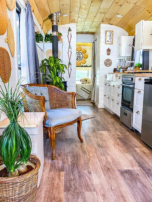 cuisine avec fauteuil vintage