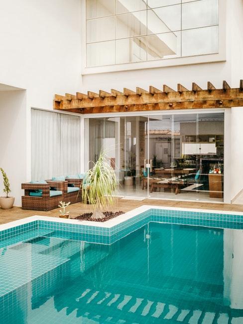 piscine intérieure plage de piscine couverte