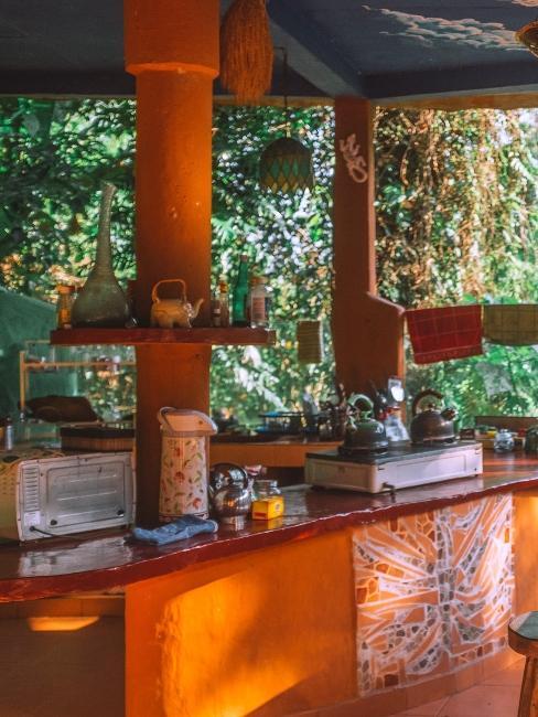 cuisine orange à l'extérieur