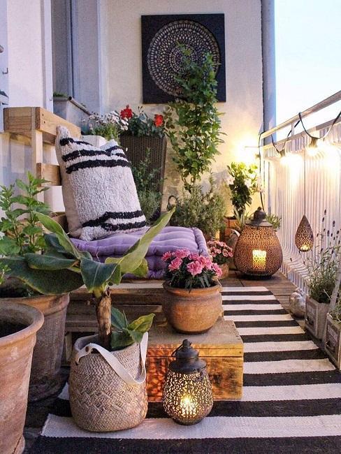 meubles de jardin en palette sur balcon