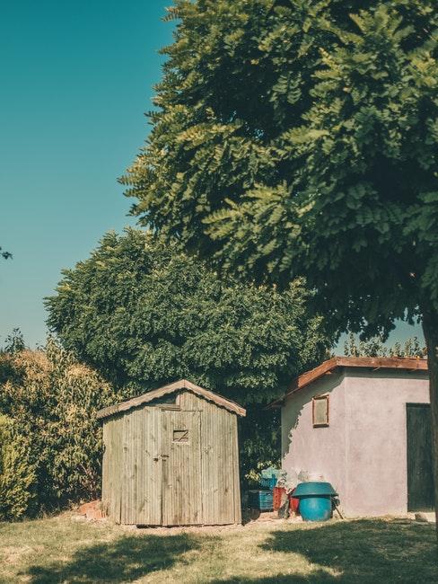 cabane pour accessoires de jardinage