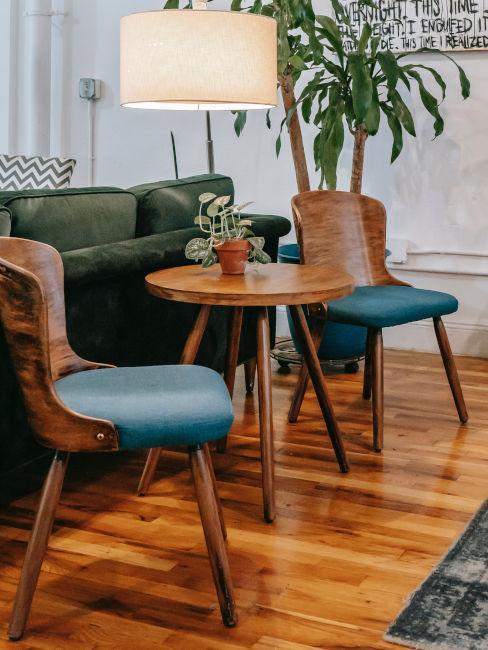 sol en bois laqué, brillant, table ronde, salon rétro