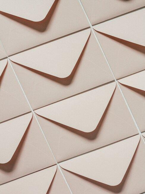 Série d'enveloppes beiges