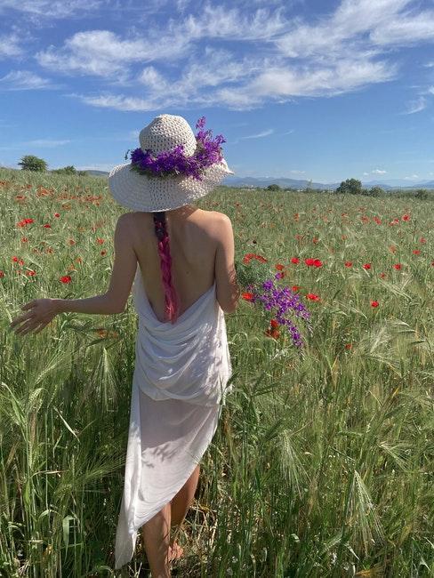 chapeau paille, femme, fleurs, été, bouquet sauvage